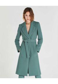 Patrizia Pepe - PATRIZIA PEPE - Zielony płaszcz Essential z pasem. Kolor: zielony. Długość rękawa: długi rękaw. Długość: długie. Wzór: haft