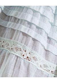 GADO GADO - Błękitna sukienka mini. Kolor: niebieski. Materiał: koronka. Wzór: haft, aplikacja, koronka. Typ sukienki: rozkloszowane. Długość: mini