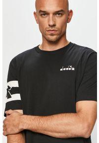 Czarny t-shirt Diadora casualowy, z aplikacjami