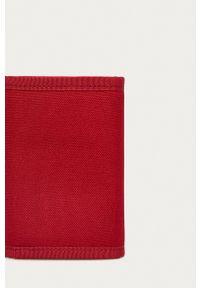 Levi's® - Levi's - Portfel. Kolor: czerwony. Materiał: materiał. Wzór: gładki