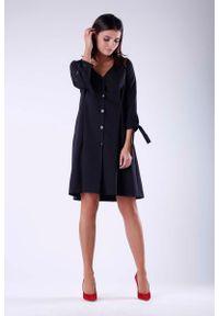 Nommo - Czarna Żakietowa Sukienka z Wiązaniem przy Rękawach. Kolor: czarny. Materiał: wiskoza, poliester