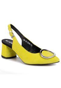 Żółte sandały Karino na co dzień, casualowe