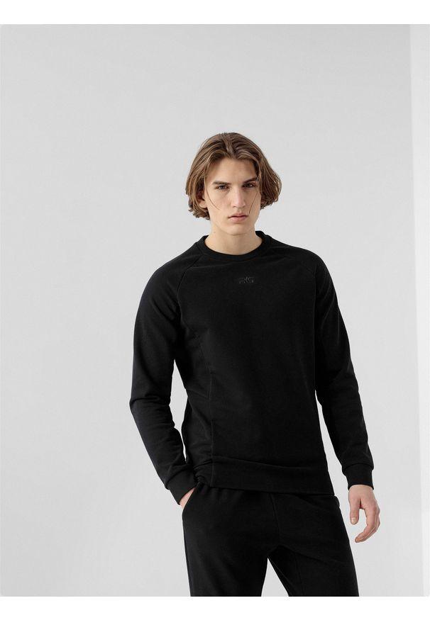 4f - Bluza męska RL9 x 4F. Okazja: na co dzień. Kolor: czarny. Materiał: dzianina, materiał, dresówka, bawełna, włókno. Długość rękawa: raglanowy rękaw. Wzór: haft, nadruk, aplikacja. Styl: casual