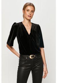 Undress Code - Bluzka ADDICTED TO LOVE. Kolor: czarny. Materiał: welur. Długość rękawa: krótki rękaw. Długość: krótkie