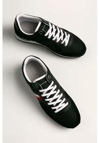 Czarne sneakersy TOMMY HILFIGER z cholewką, z okrągłym noskiem, na sznurówki, do biegania