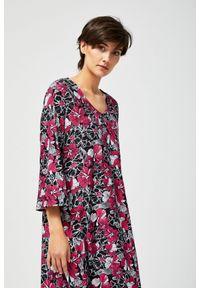 Sukienka MOODO casualowa, w kwiaty, oversize, na co dzień