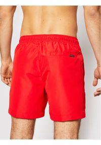Calvin Klein Swimwear Szorty kąpielowe Medium Drawstring KM0KM00574 Czerwony Regular Fit. Kolor: czerwony