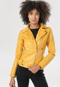 Żółta kurtka ramoneska Born2be