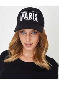 MISS PARIS - Czapka Miss Paris - EDYCJA LIMITOWANA. Kolor: czarny. Materiał: materiał. Wzór: napisy, aplikacja, haft. Styl: elegancki