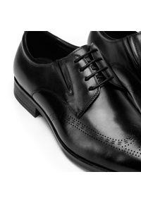 Czarne półbuty Wittchen na spotkanie biznesowe, biznesowe