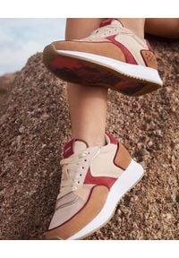 HOFF - Brązowe sneakersy Jordaan. Okazja: na co dzień. Kolor: brązowy. Materiał: guma, materiał. Wzór: haft, nadruk, aplikacja