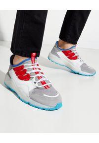 Iceberg - ICEBERG - Sneakersy z czerwonym akcentem. Zapięcie: sznurówki. Kolor: szary. Materiał: materiał