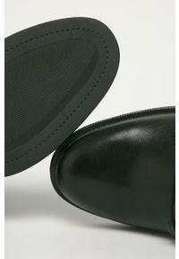 Czarne botki vagabond z cholewką, z okrągłym noskiem, na sznurówki