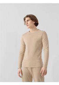4f - Longsleeve męski RL9 x 4F. Kolor: beżowy. Materiał: włókno, poliester, materiał, bawełna. Długość rękawa: długi rękaw. Wzór: haft, nadruk