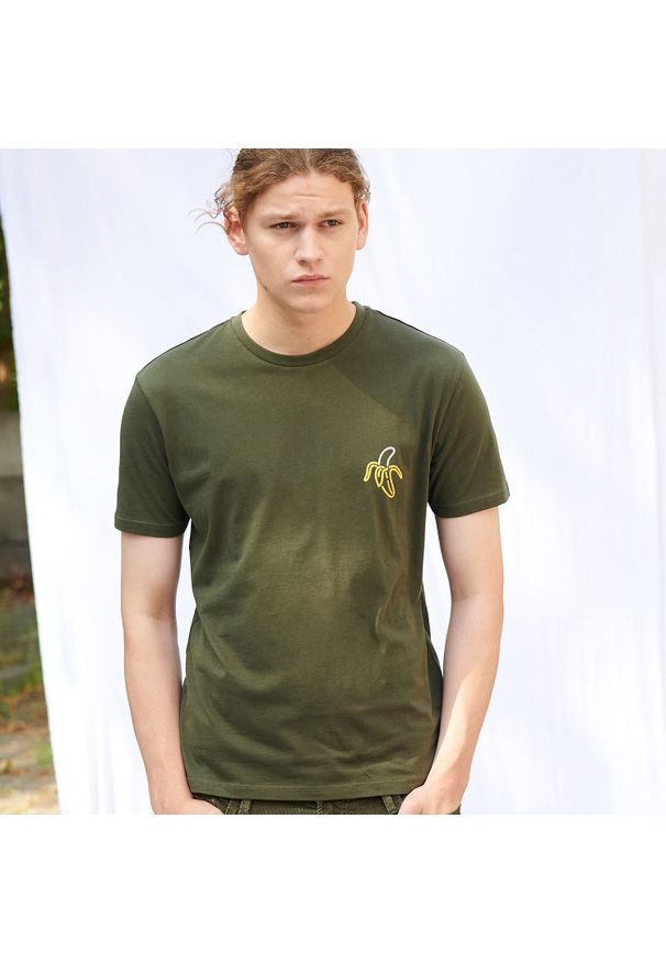 Zielony t-shirt Sinsay z nadrukiem