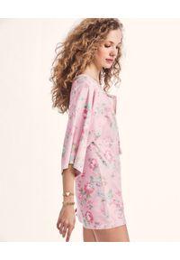 LOVE SHACK FANCY - Różowa sukienka Bard. Okazja: na co dzień. Kolor: fioletowy, różowy, wielokolorowy. Materiał: tkanina. Wzór: kwiaty. Typ sukienki: proste. Styl: casual