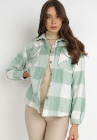 Born2be - Jasnozielona Koszula Arteusa. Kolor: zielony. Materiał: jeans. Długość rękawa: długi rękaw. Długość: długie. Wzór: kratka, aplikacja. Sezon: lato. Styl: klasyczny