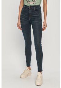 Niebieskie jeansy Diesel z podwyższonym stanem
