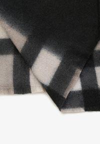 Renee - Szary Szalik Ampitheme. Kolor: szary. Materiał: bawełna, wiskoza, tkanina, jeans