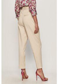 Spodnie materiałowe Guess na co dzień, casualowe