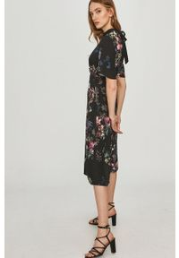Czarna sukienka Answear Lab mini, z krótkim rękawem