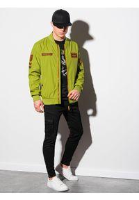 Zielona kurtka Ombre Clothing na wiosnę