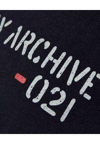 FAY - Granatowy t-shirt z logo. Kolor: niebieski. Materiał: bawełna. Wzór: napisy, nadruk