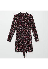 Czarna sukienka Cropp koszulowa