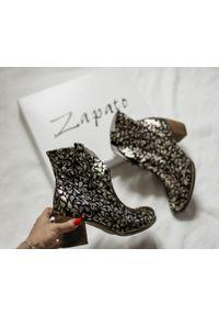 Złote botki Zapato w kolorowe wzory, na jesień