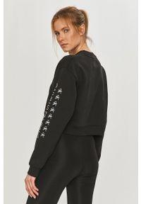 Calvin Klein Jeans - Bluza bawełniana. Okazja: na co dzień. Kolor: czarny. Materiał: bawełna. Długość rękawa: długi rękaw. Długość: długie. Wzór: nadruk. Styl: casual