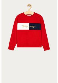 Czerwona bluza TOMMY HILFIGER na co dzień, casualowa, z aplikacjami, bez kaptura