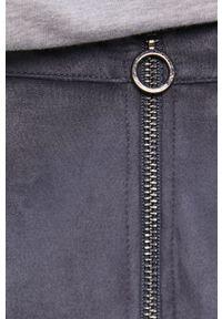 Vero Moda - Spódnica. Okazja: na co dzień. Kolor: niebieski. Materiał: dzianina. Wzór: gładki. Styl: casual