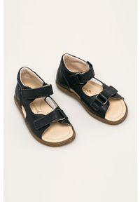 Niebieskie sandały Mrugała na rzepy