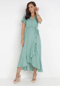 Born2be - Miętowa Sukienka Echosia. Kolor: miętowy. Materiał: materiał. Długość rękawa: krótki rękaw. Wzór: kropki. Typ sukienki: kopertowe. Długość: maxi