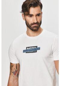 Biały t-shirt Diesel na co dzień, casualowy, z nadrukiem