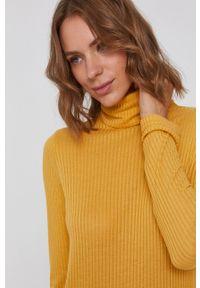 Pepe Jeans - Bluzka Deborah. Okazja: na co dzień. Typ kołnierza: golf. Kolor: żółty. Materiał: dzianina, materiał. Długość rękawa: długi rękaw. Długość: długie. Wzór: gładki. Styl: casual