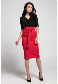 Czerwona spódnica ołówkowa Nommo elegancka