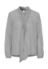 Cream Wiązana bluzka z wiskozy Bowie biały Czarny w paski female biały/czarny/ze wzorem 36. Typ kołnierza: kołnierzyk stójkowy. Kolor: czarny, biały, wielokolorowy. Materiał: wiskoza. Długość: długie. Wzór: paski