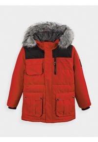 4f - Kurtka chłopięca (122-164). Kolor: czerwony. Materiał: materiał, futro, poliester, mesh. Sezon: zima
