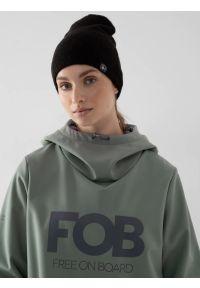 4f - Bluza softshell snowboardowa membrana 5 000 damska. Typ kołnierza: kaptur. Kolor: zielony. Materiał: softshell. Długość: długie. Sezon: zima. Sport: snowboard