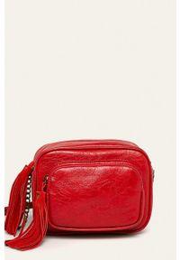 Pepe Jeans - Torebka Moira. Kolor: czerwony. Rodzaj torebki: na ramię