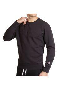 Champion Script Logo Sweatshirt > 215207-KK001. Materiał: polar, bawełna. Długość rękawa: długi rękaw. Długość: długie. Wzór: aplikacja. Styl: klasyczny