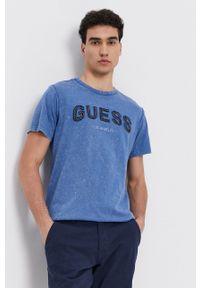 Guess - T-shirt bawełniany. Okazja: na co dzień. Kolor: niebieski. Materiał: bawełna. Wzór: aplikacja. Styl: casual