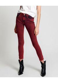 ONETEASPOON - Czerwone jeansy Pistol Red. Kolor: czerwony