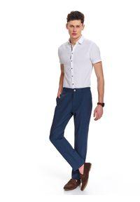 Niebieskie spodnie TOP SECRET na lato, długie, klasyczne, w kolorowe wzory