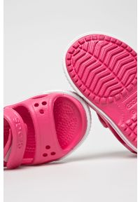 Różowe sandały Crocs na rzepy