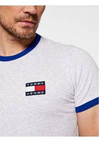 Tommy Jeans T-Shirt Tjm Badge Ringer Tee DM0DM10280 Szary Regular Fit. Kolor: szary
