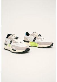 Białe buty sportowe Wrangler z cholewką, z okrągłym noskiem, na sznurówki