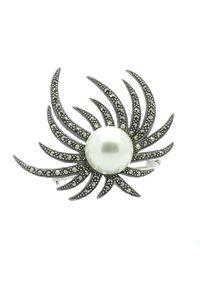 Braccatta - AGENA Srebrna broszka markazyty i perła gwiazda. Materiał: srebrne. Kolor: srebrny. Kamień szlachetny: markazyt, perła