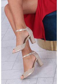 Beżowe sandały Casu na co dzień, z paskami, w kolorowe wzory, casualowe